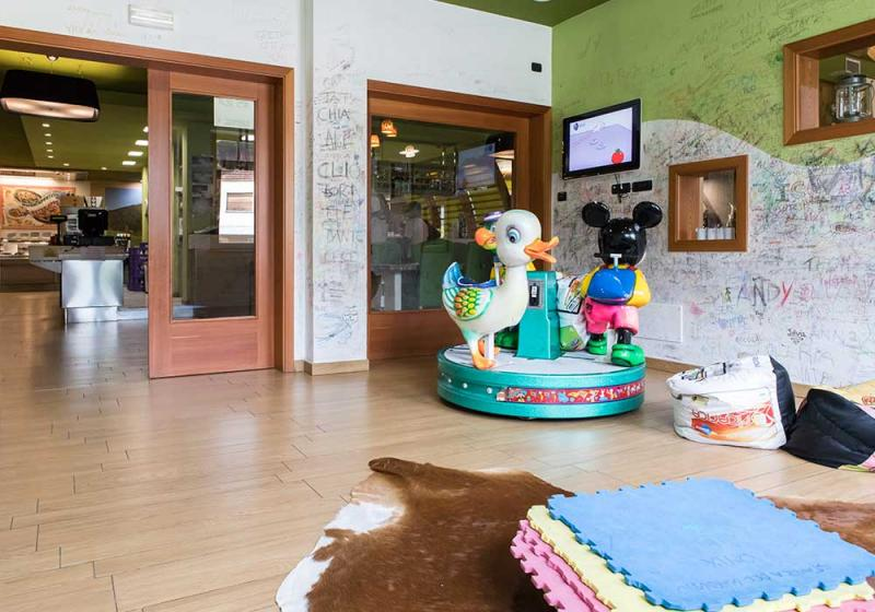baby-room ristorante-con-menu-bambini La-Contea Bolbeno