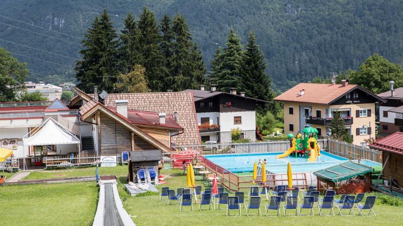 piscina-all aperto-Trentino